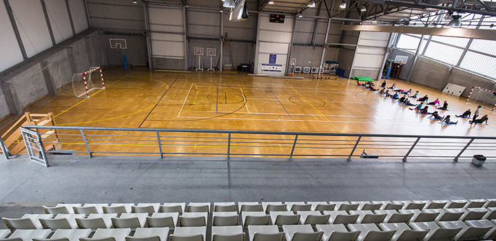 interior_polideportivo_lugones